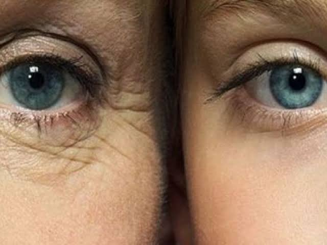 WAYS TO TELL YOUR EYE CREAM IS WORKING